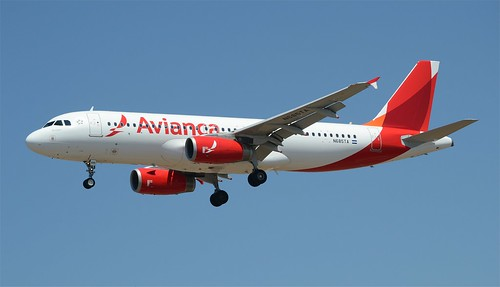 New Livery Avianca Airlines A320 (N685TA) LAX Approach | by hsckcwong