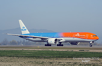 KLM B777-300ER PH-BVA Orange Pride (Kenneth Brown)