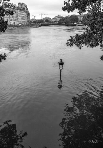 l'île St Louis sous les eaux