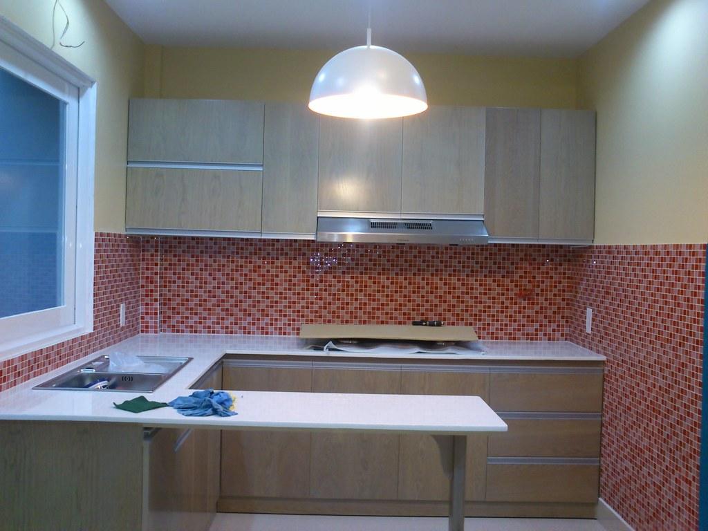 cucina con piastrelle rosse   Angela Giudici   Flickr
