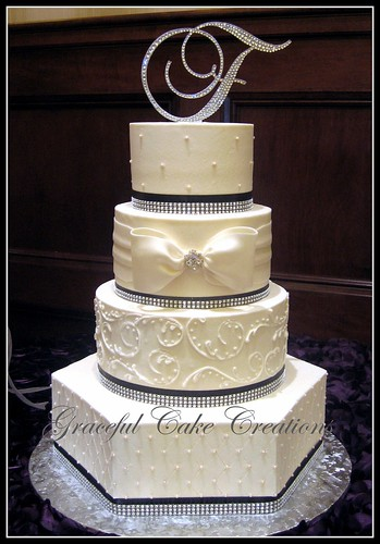 Elegant Wedding Cake Blue