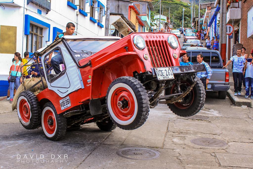 jeep willys en un pique