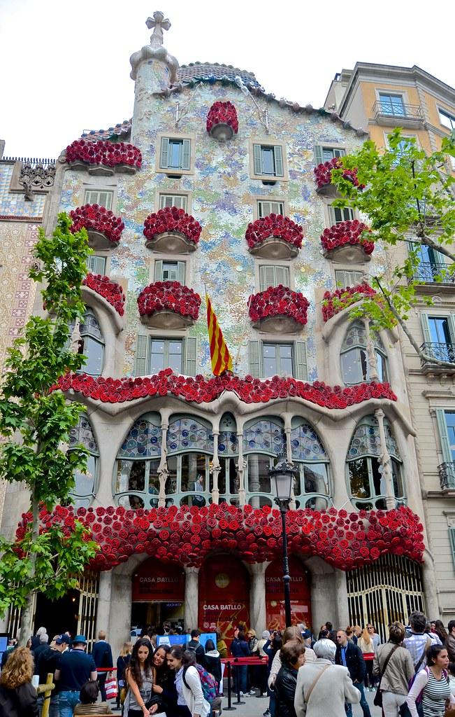 architect gaudi barcelona block of discord casa batllo flickr