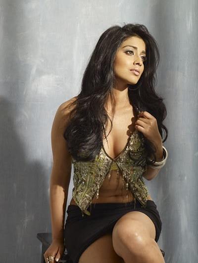 Shriya saran sexy boobs