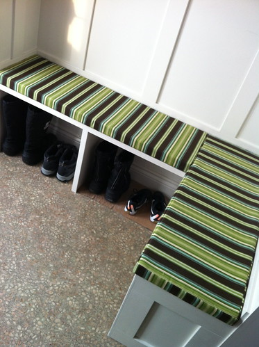 bench cushions  #benchcushions #mudroom #sewing | by duckyhouse