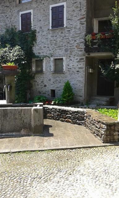 Fontana pulita dopo segnalazione ai vigili