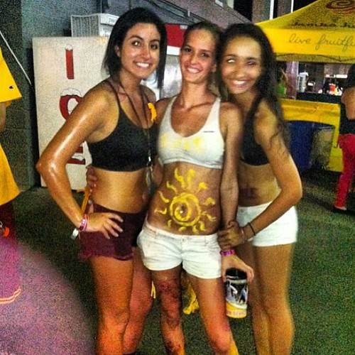 Pity, Nude chicks tailgate party apologise, but