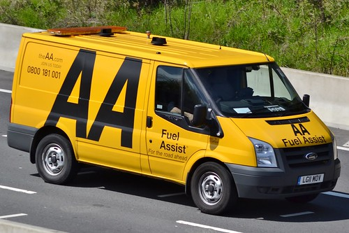aa ford transit 115 t330 seen on the m4 in newport flickr. Black Bedroom Furniture Sets. Home Design Ideas