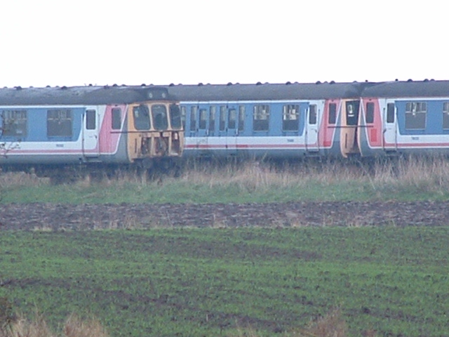 Wakering Stairs: Where trains come to... © Julieanne Savage cc-by ...