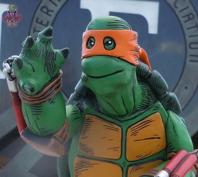 MONDO; Nickelodeon TEENAGE MUTANT NINJA TURTLES ; THE FIRST TURTLE (ORANGE MASK EDITION) iv (( 2016 ))