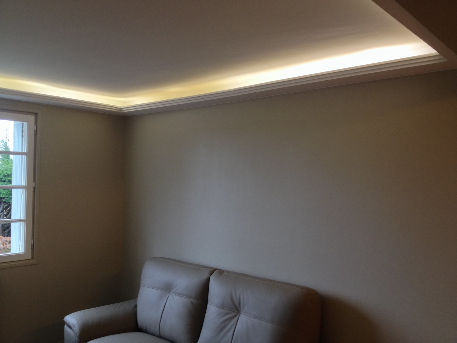 Corniche plafond design fashion designs for Moulure en platre