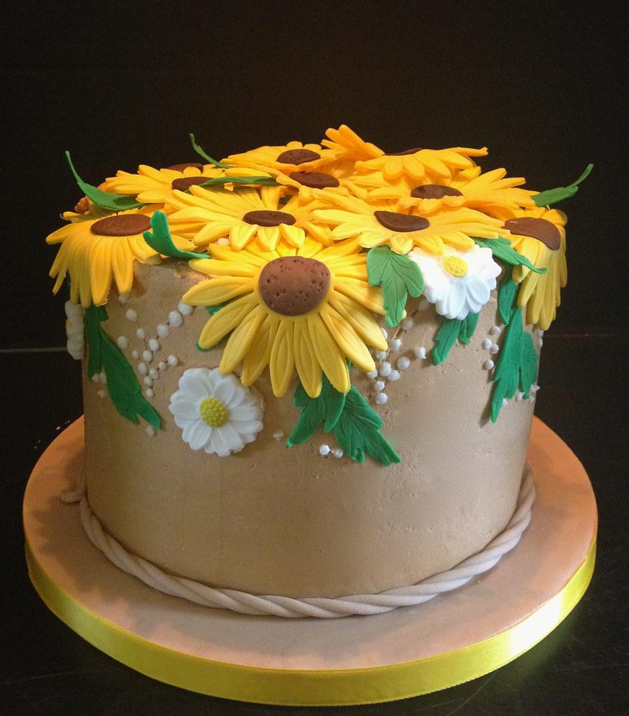 Sunflower Birthday Cake Buttercream Iced With Fondant Sunf Flickr