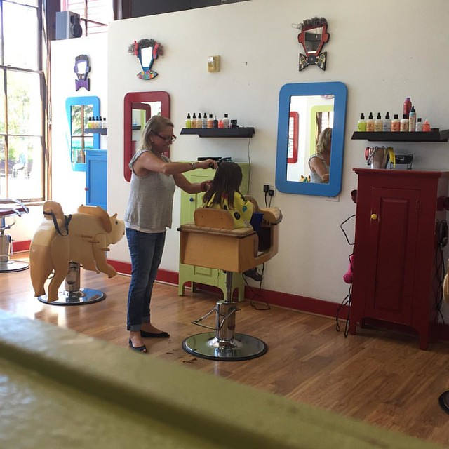 #100daysofsummer to summer haircuts! Molly's friend got her first haircut so we went along as support and the girls really needed hair cuts.