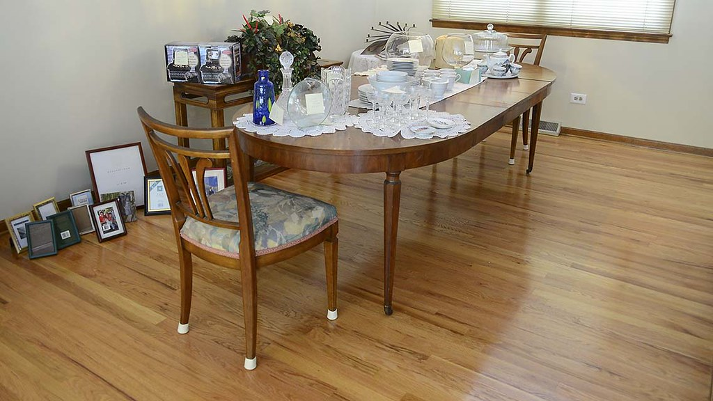 ... Walter Wabash Dining Room Table With 3 Leaves | By Craigs_listing