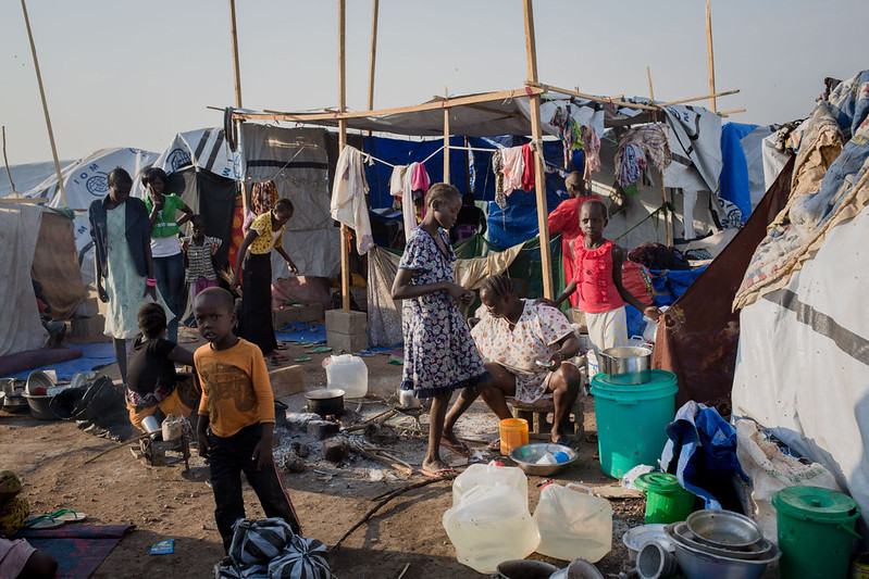 Injured and disabled fleeing conflict - South Sudan - Handicap International