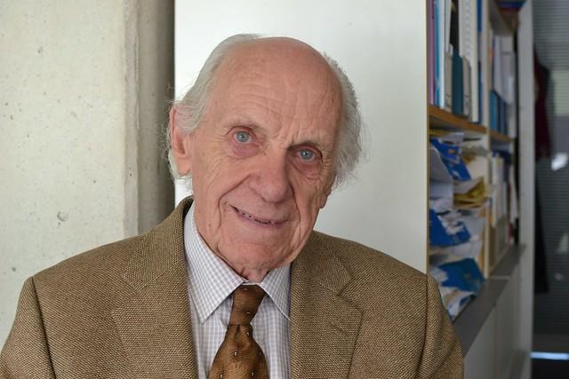 Professor Len Sealy