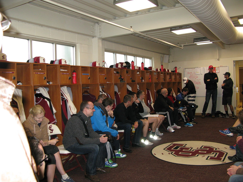 uabaseball baseball room architecture of galleries alabama ellis university locker lockerroom huge stadium