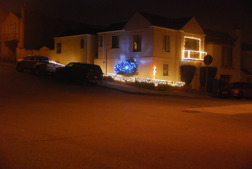 2200 26th ave xmas lites 11 24 12 1 by the holy hand - Christmas Lites
