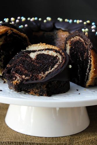 Eggless Vanilla And Chocolate Marble Cake