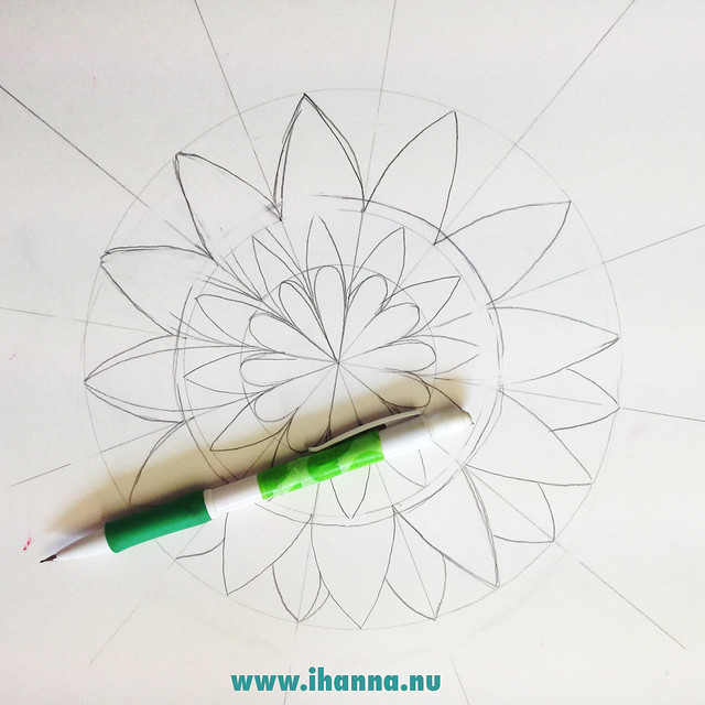 iHanna's Mandala - starting point for a geometric mandala