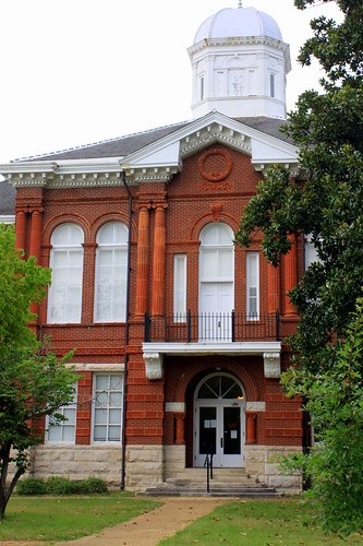 Sumter County Courthouse - Livingston, AL