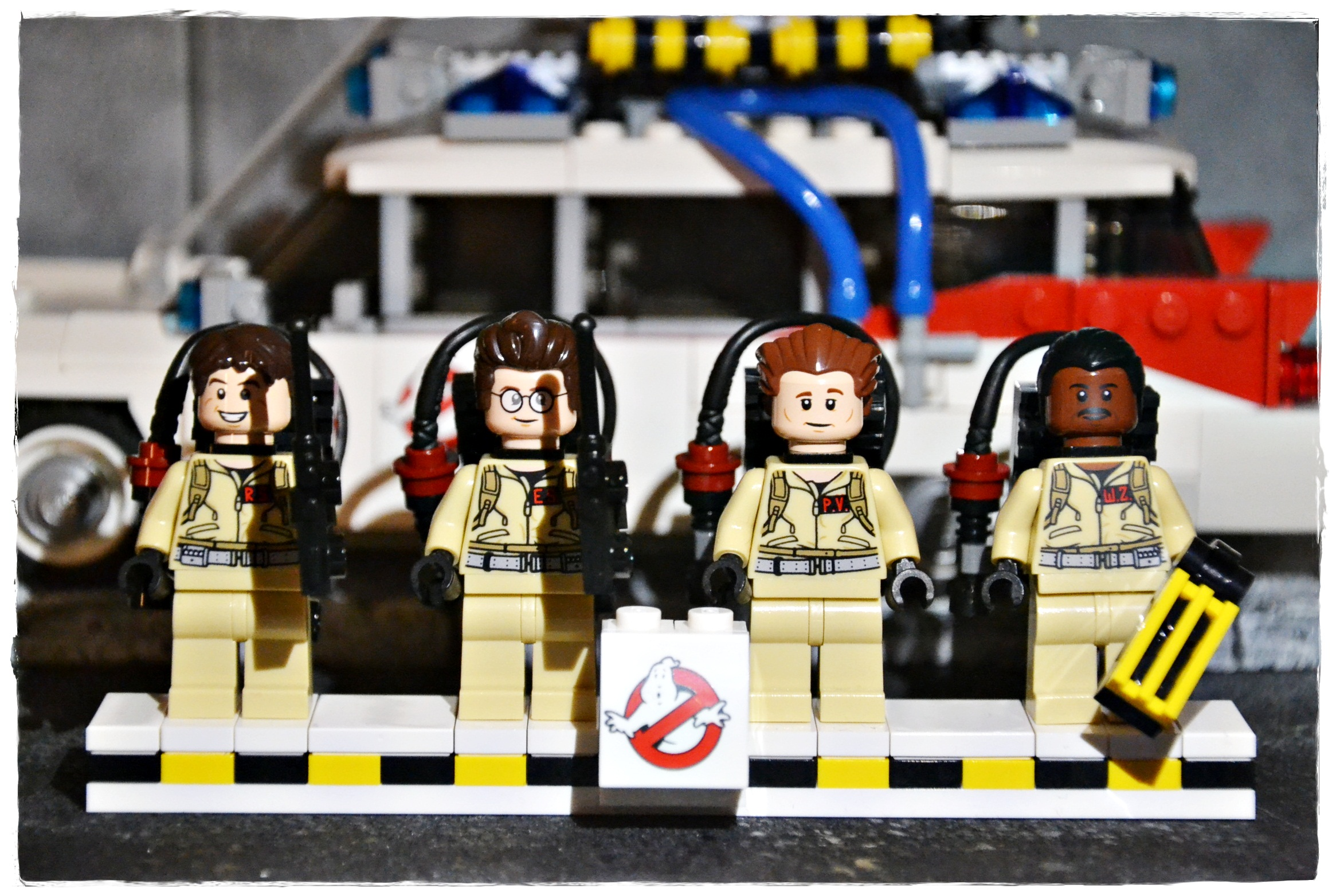 LEGO Ideas - Ghostbusters Ecto-1 set