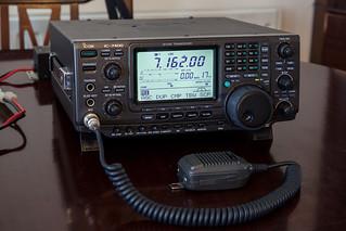 Icom IC-7400 HF/VHF Transceiver