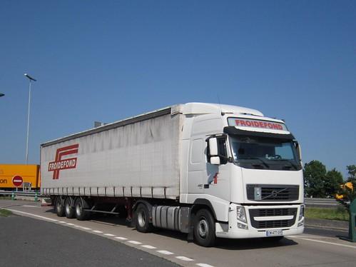Volvo globetrotter transports froidefond brive l for Carrelage brive la gaillarde