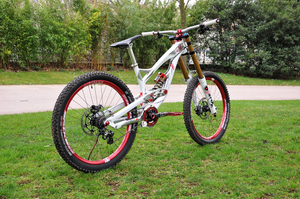 YT Industries Tues Limited Edition World CUP   Bike check   Mourad ...
