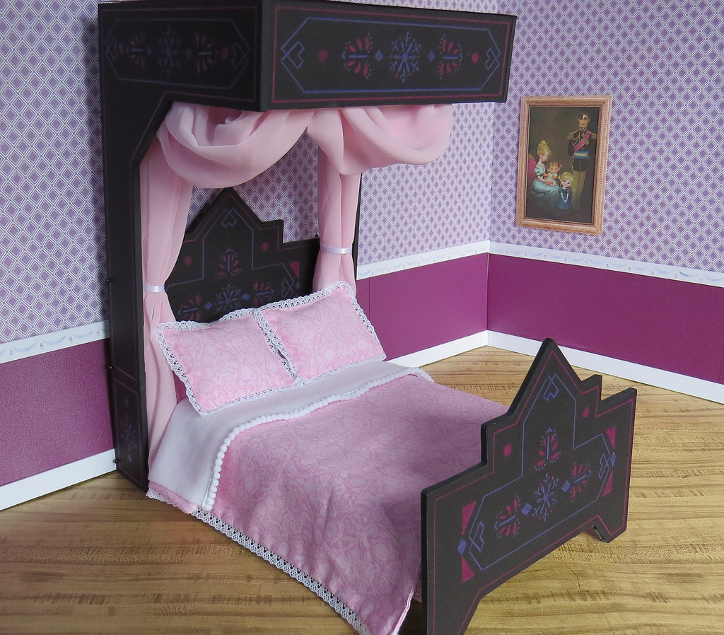14) Princess Elsa\'s Black Bed | Before the Monday craziness… | Flickr