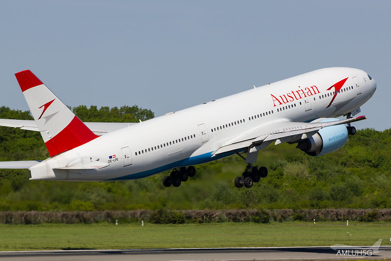 Austrian Airlines - B772 - OE-LPE (3)
