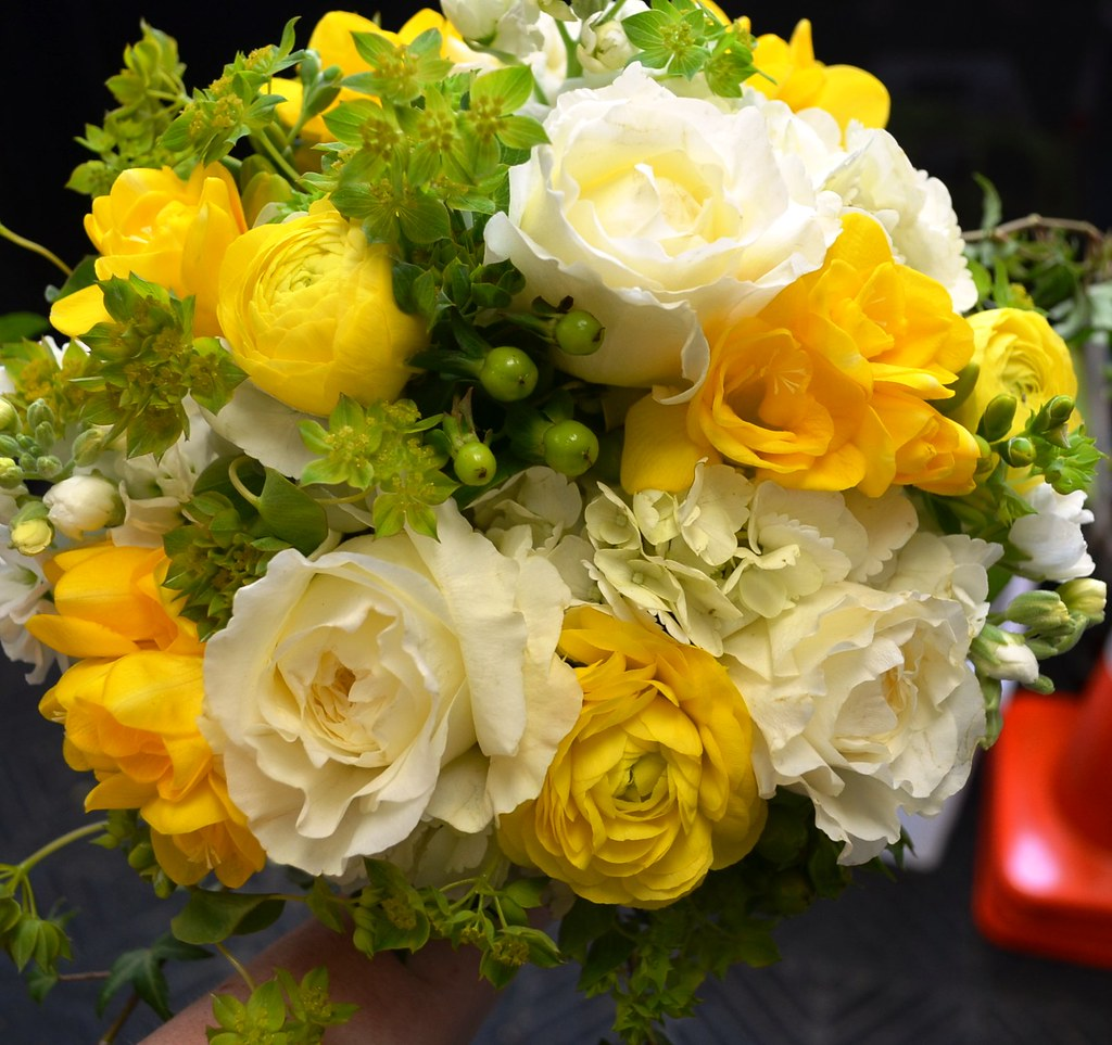 Yellow And White Wedding Flowers Perfectweddingflowers Flickr