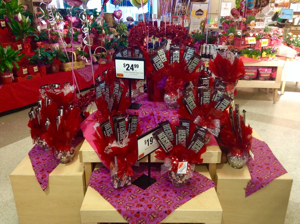 Hershey Chocolate Bar Bouquets for Valentine\'s Day 2015, S… | Flickr