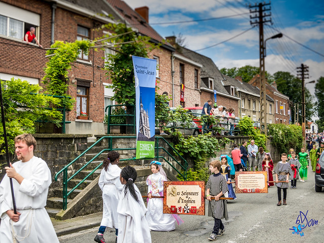 Procession de la Saint jean - rue du mont - Enghien