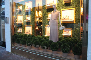 ToryBurch.HolidayWindows.Georgetown.WDC.19December2013 | by Elvert Barnes