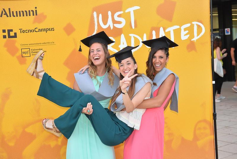 Acte de graduació Grau en Infermeria i Màster en Cronicitat i Dependència