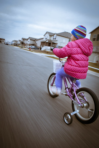 150124-girl-bicycle-training-wheels.jpg | by r.nial.bradshaw