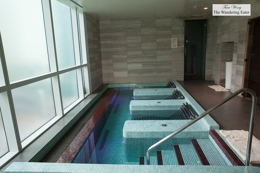 Deep soaking tubs in the spa | Four Seasons Baltimore 200 In… | Flickr