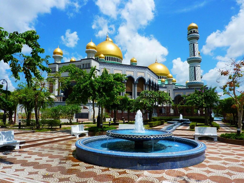 Bandar Seri Begawan, Brunei | Flying Dutchman Pat | Flickr
