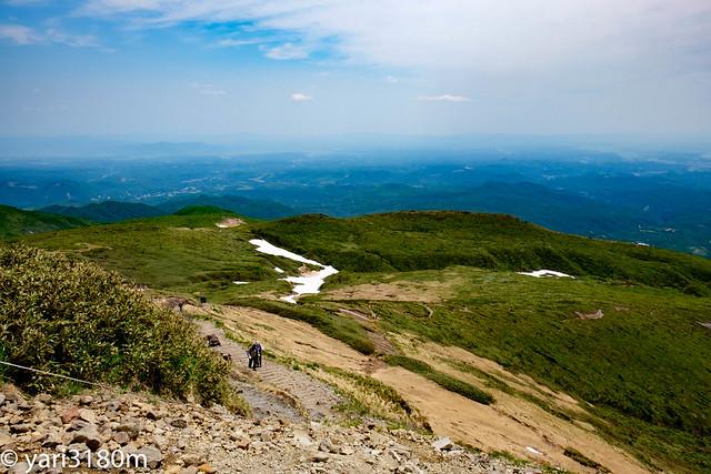 栗駒山山頂より
