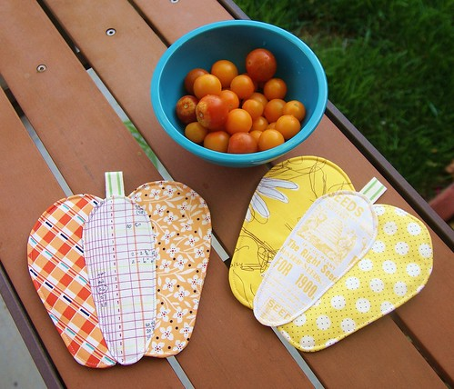 Zakka Bell Pepper Hot Pads | by fabricmutt