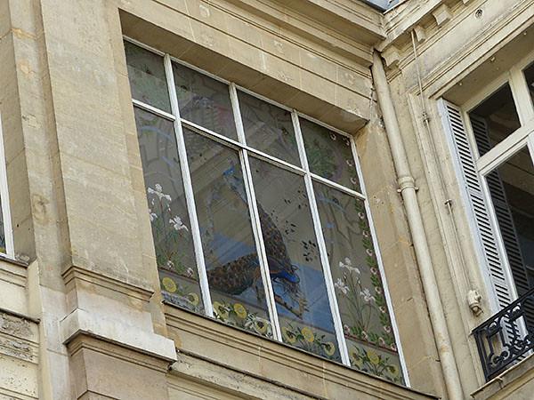 fenêtre paon