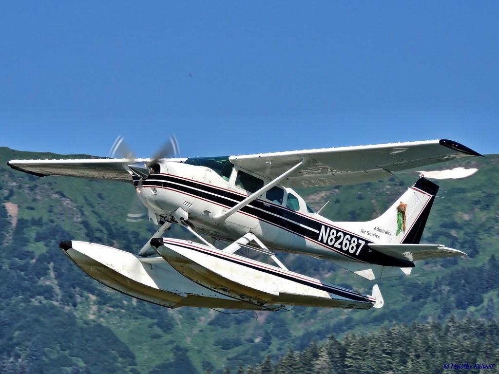 ... 1976 Cessna U206F Stationair [N82687] | by B737Seattle