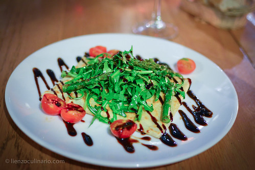 Gruyere, asparagus and rocket crepe | by Lienzo Culinario