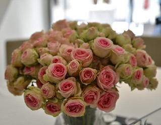Un bouquet de roses séchées ? C'est l'Essentiel, un très bon restaurant d'Avignon. :-)