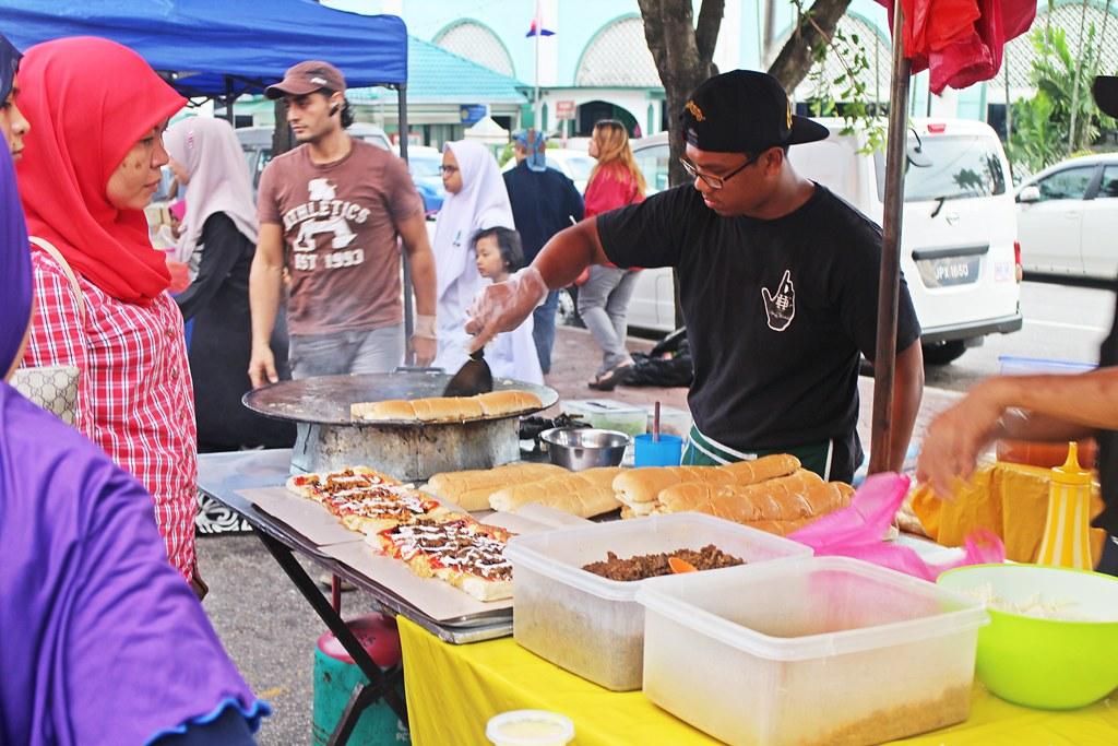 Ramadhan Bazaar: Roti John