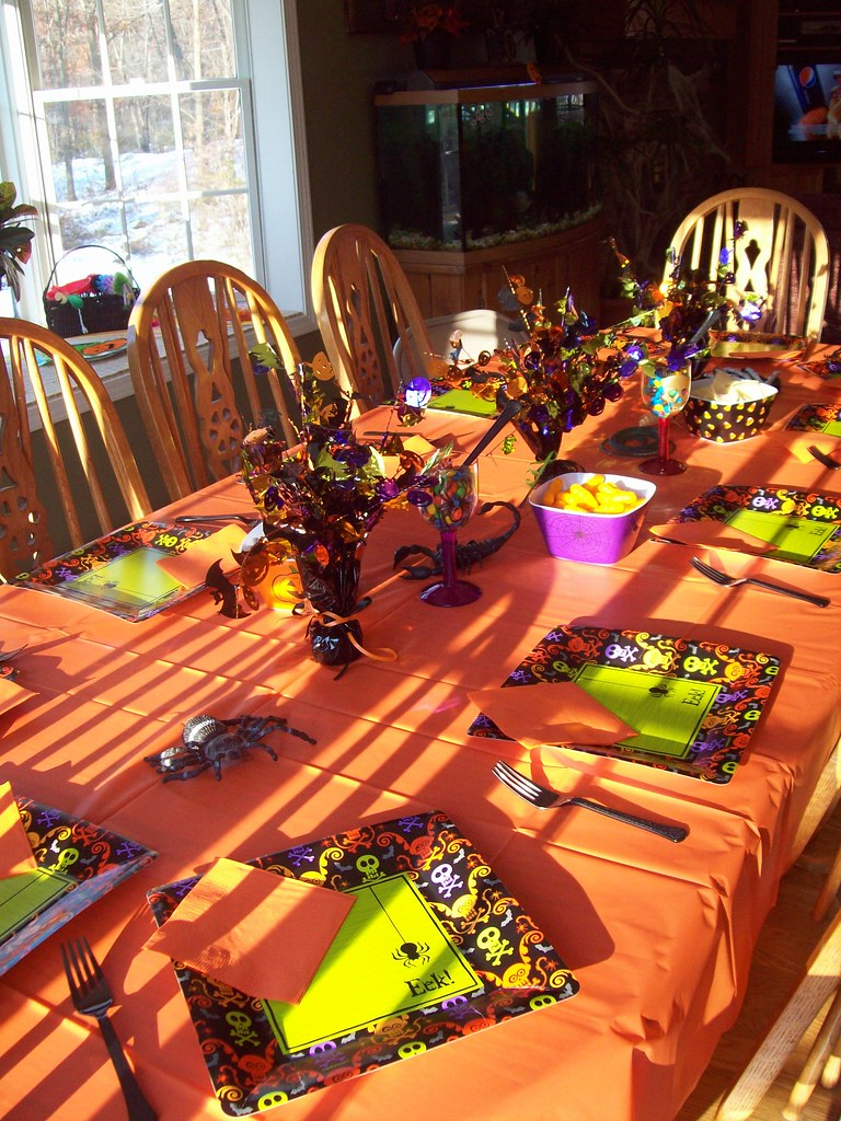 Halloween Party Table | Halloween Party Ideas and Supplies f… | Flickr