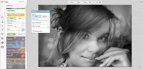 bwPortraitScreen3 | Monotone