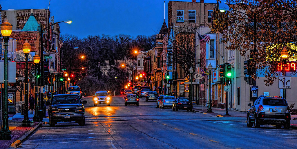 night shot water street decorah iowa this is the 3rd ti flickr