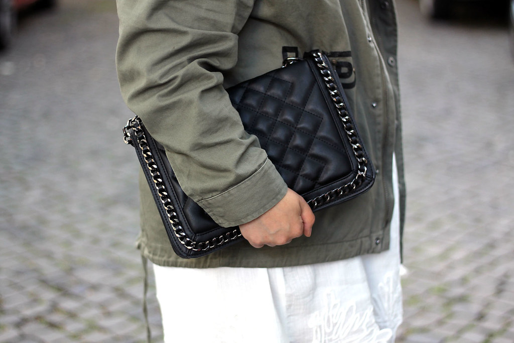 outfit-look-style-modeblog-fashionblog-tasche-jacke-zara-print-spitzenkleid-sommer18